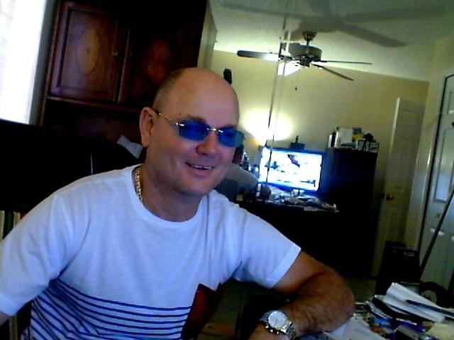 Знакомства. Познакомлюсь с женщиной. Мужчина, 54 года ищет женщину - Miami, Соединенные Штаты Америки