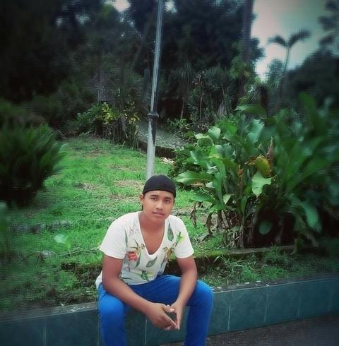 Знакомства. Познакомлюсь с девушкой. Парень, 18 года ищет девушку - Santo Domingo, Эквадор