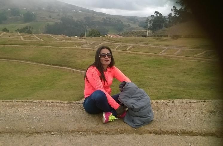 Знакомства. Познакомлюсь с мужчиной. Женщина, 39 года ищет мужчину - Cuenca, Эквадор