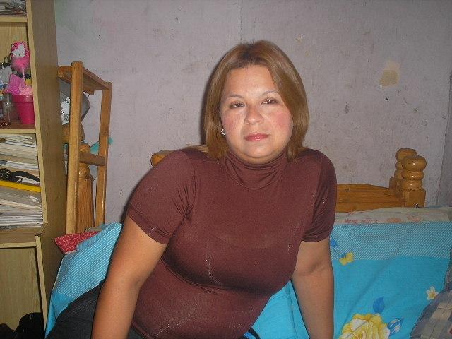 Она ищет его в москве онлайн