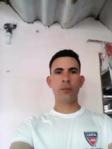Знакомства. Познакомлюсь с женщиной. Мужчина, 30 года ищет женщину - La Habana, Куба