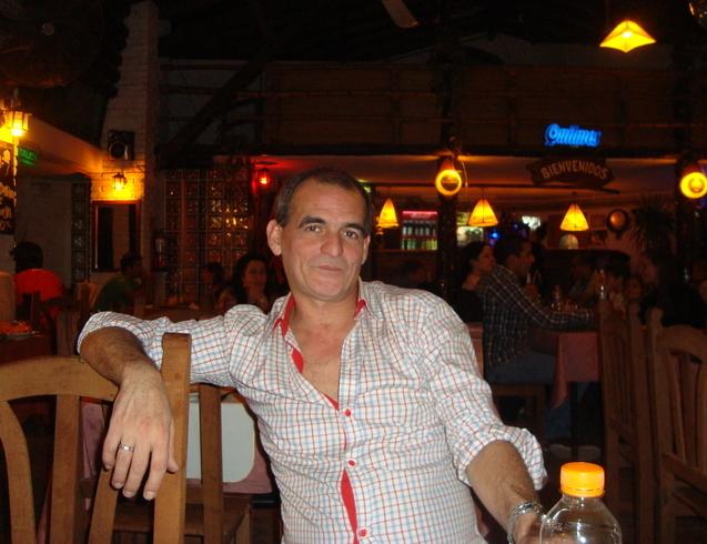 Знакомства. Познакомлюсь с женщиной. Мужчина, 52 года ищет женщину - La Plata, Аргентина