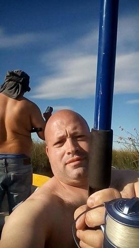 Знакомства. Познакомлюсь с женщиной. Мужчина, 43 года ищет женщину - La Plata, Аргентина