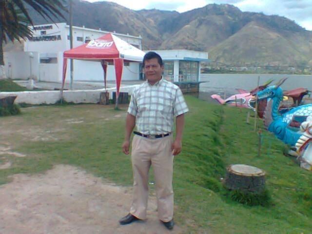 Знакомства. Познакомлюсь с женщиной. Мужчина, 45 года ищет женщину - Santo Domingo, Эквадор