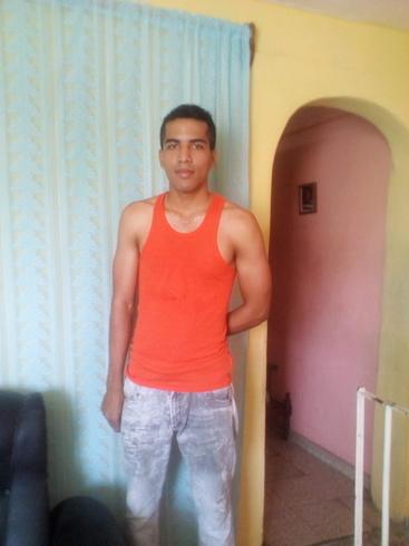 Знакомства. Познакомлюсь с девушкой. Парень, 24 года ищет девушку - Santiago De Cuba, Куба