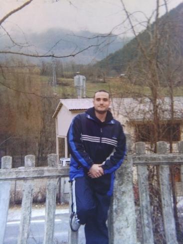 Знакомства. Познакомлюсь с женщиной. Мужчина, 39 года ищет женщину - Badalona, Испания