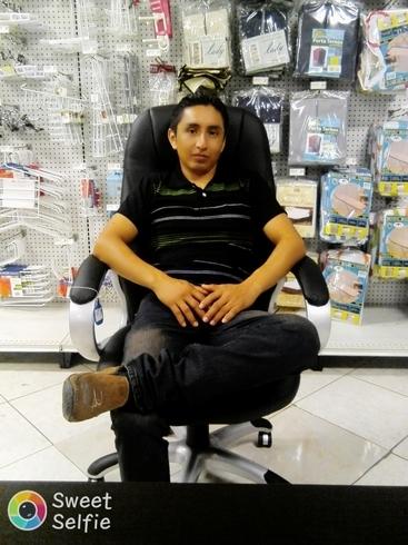 Знакомства. Познакомлюсь с женщиной. Мужчина, 33 года ищет женщину - Santo Domingo, Эквадор